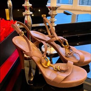 Auth Gucci Tan Leather Platform with Gold Horsebit